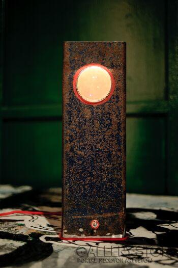Bartek Bartosiński-lampa stołowa Cyklop-Design