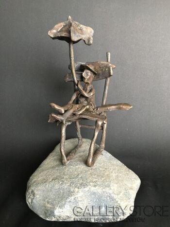 Daria  Grajek-Odpoczynek pod parasolką -Rzeźby