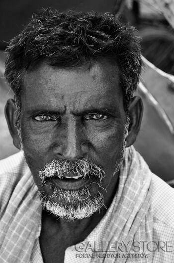 Raffaello Torres-Portret Indii-Fotografia