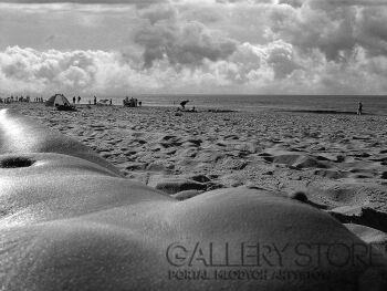 Szczepan Kurzeja-Na plaży-Fotografia